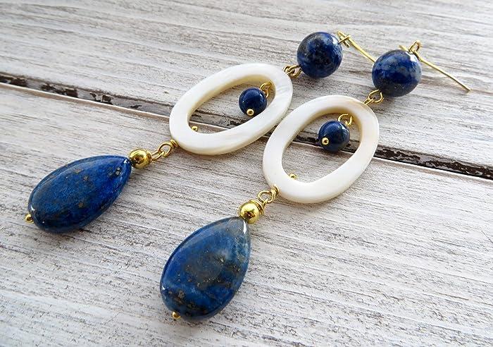 f9ff8f06c02a Pendientes de nácar blanco y lapis lazuli azul