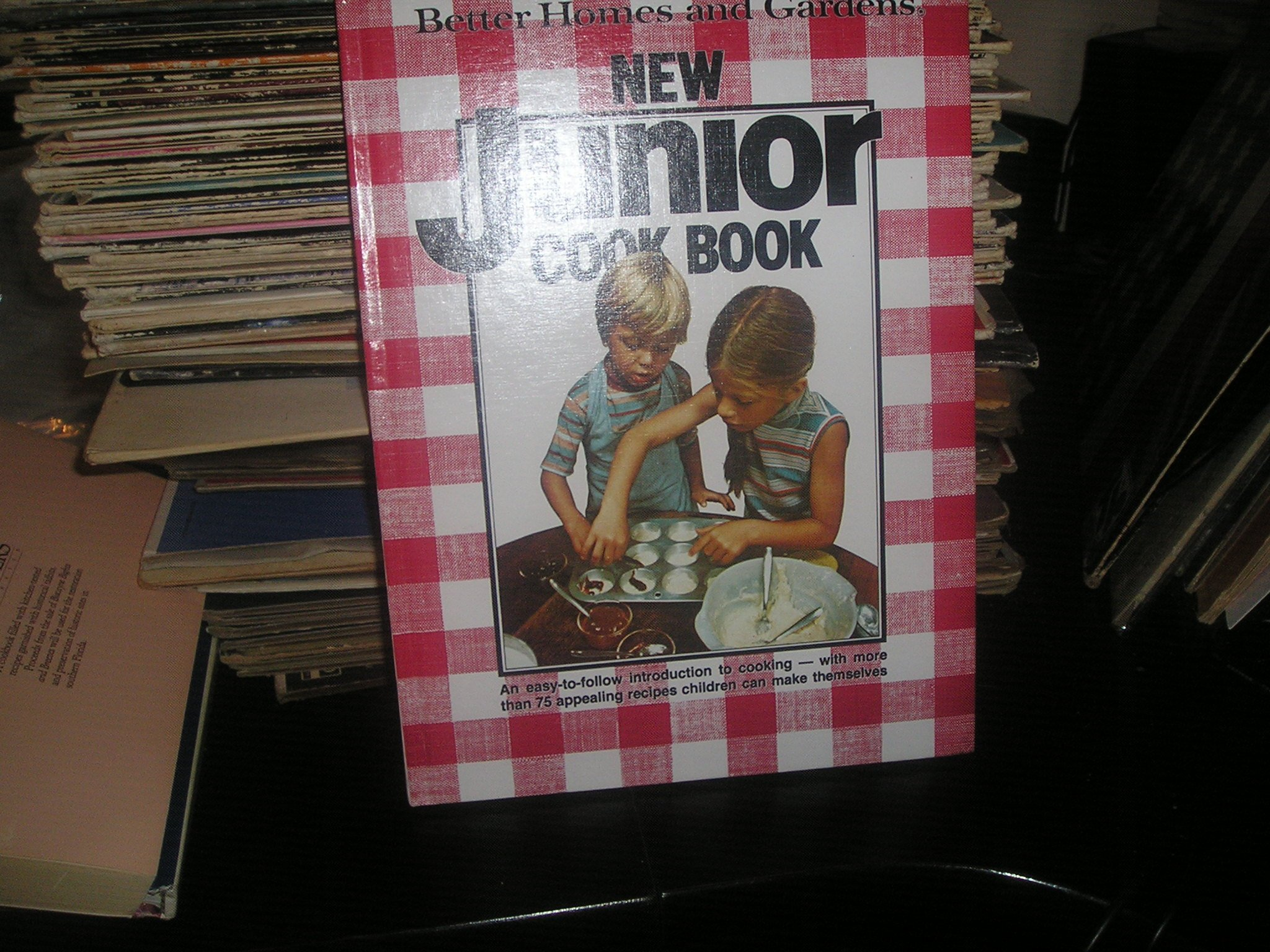 Better Homes and Gardens New Junior Cook Book: Flora Szatkowski, Diane Nelson: 9780696004056: Amazon.com: Books