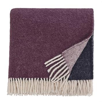 URBANARA 140x220 cm Wolldecke 'Salakas' DunkelblauAubergineNatur — 100% skandinavische Wolle — Ideal als Überwurf, Plaid oder Kuscheldecke für Sofa