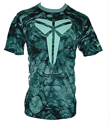 bb531be0aef9 Amazon.com  Nike Men s Kobe Bryant Sheath Easter Edition Dri-Fit T-Shirt  Large Green Dye  Sports   Outdoors