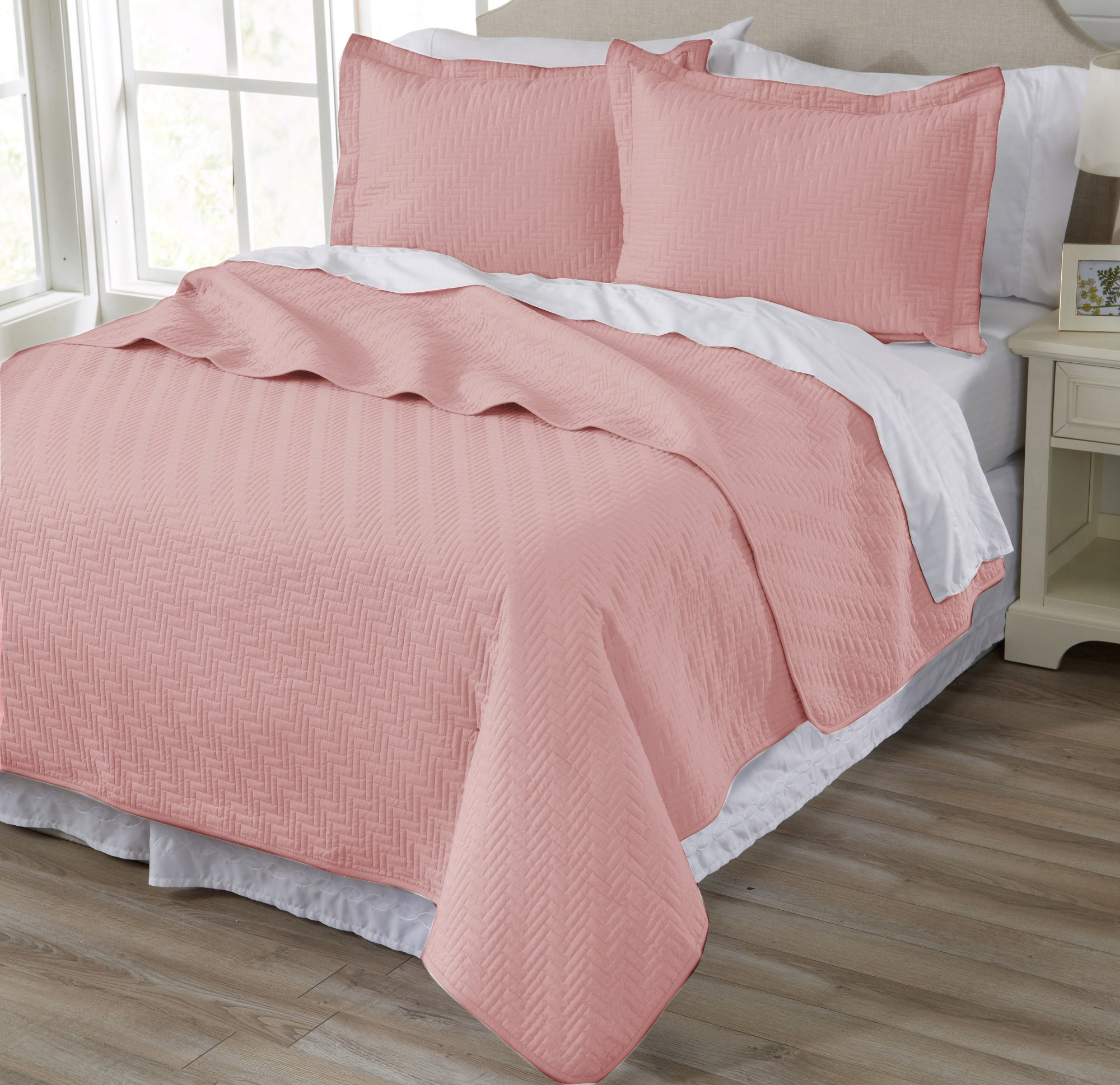 Home Fashion Designs 3-Piece Luxury Quilt Set with Shams. Soft All-Season Microfiber Bedspread and Coverlet in Solid Colors. Emerson Collection Brand. (Full/Queen, Silver Pink)
