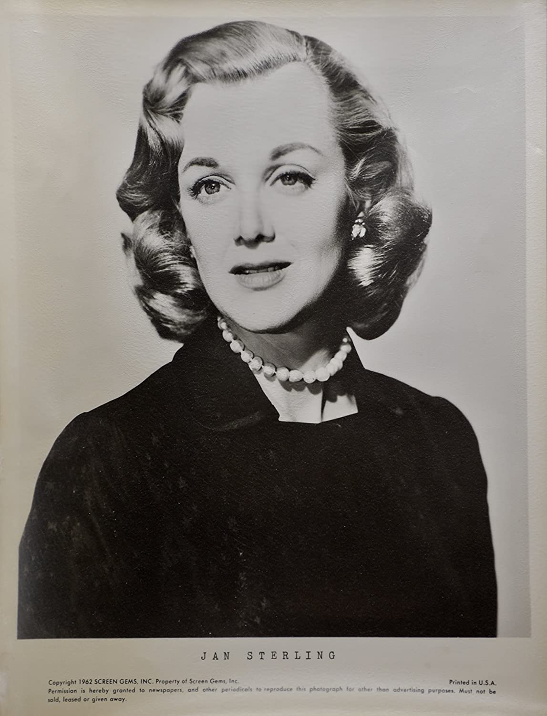 Doris Pawn,Jill Hennessy born November 25, 1968 (age 49) Adult pic Deidre Hall born October 31, 1947 (age 71),Ananya