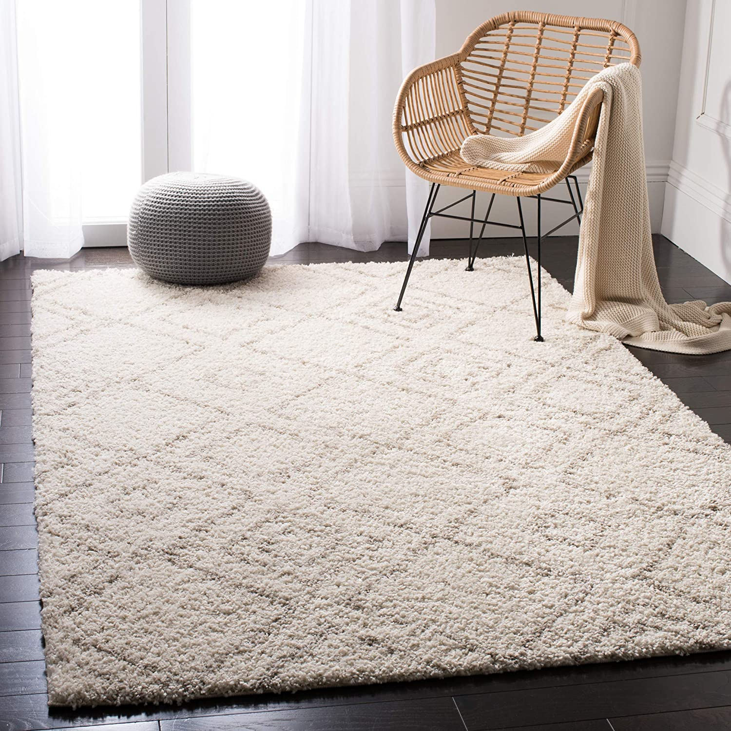 "Safavieh Arizona Shag Collection ASG744A Southwestern Diamond Geometric Ivory and Beige Area Rug (5'1"" x 7'6"")"