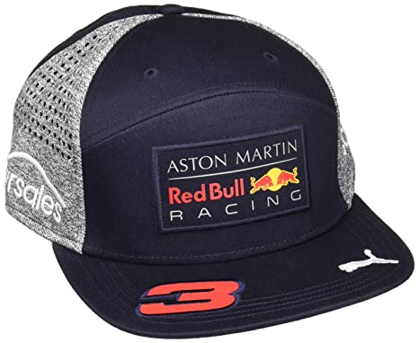 17b7bc77f71 Amazon.com  Red Bull Formula 1 Racing 2018 Aston Martin Daniel Ricciardo  Flatbrim Team Hat  Sports   Outdoors