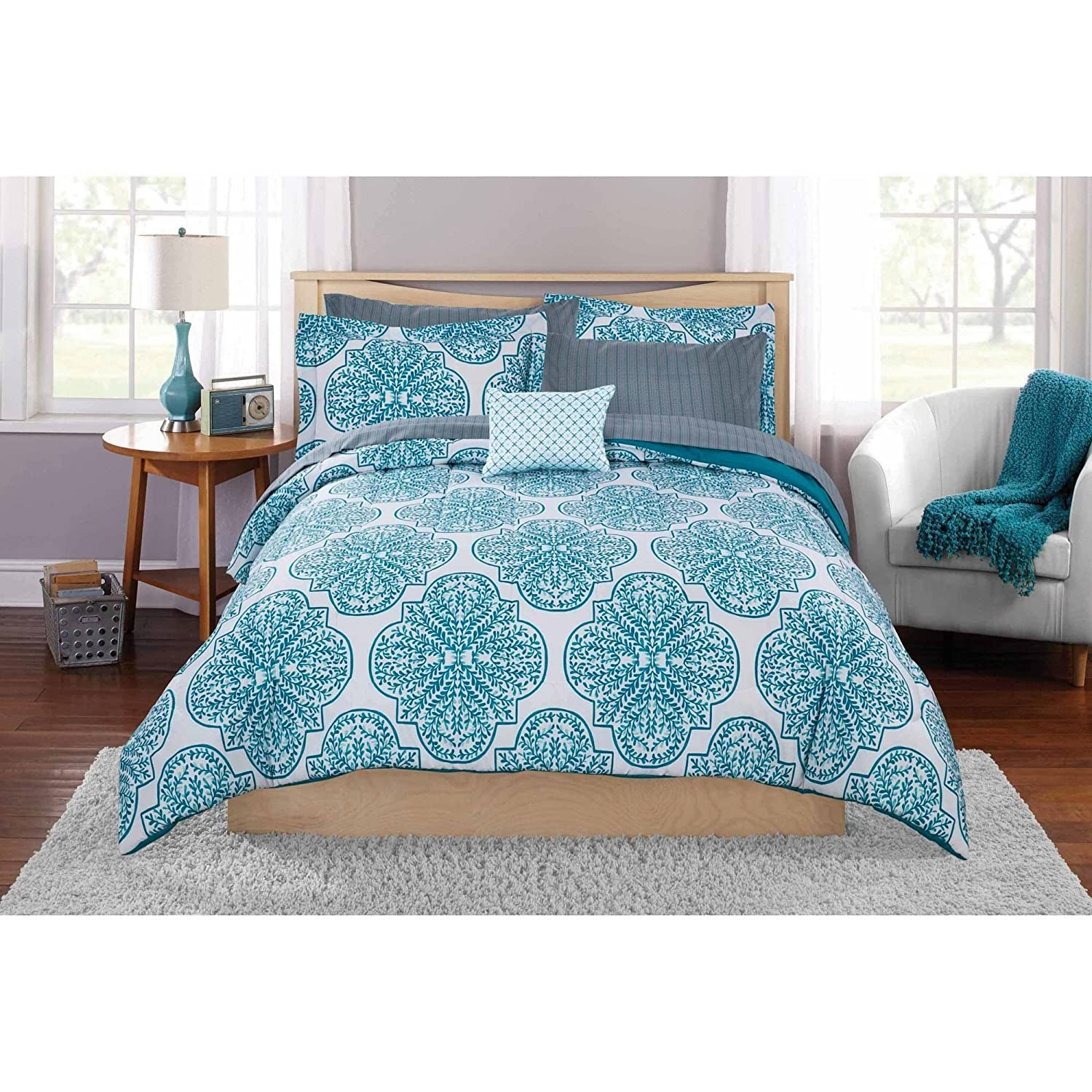 Modern White/Teal Leaf Design Bed in a Bag Bedding Set King