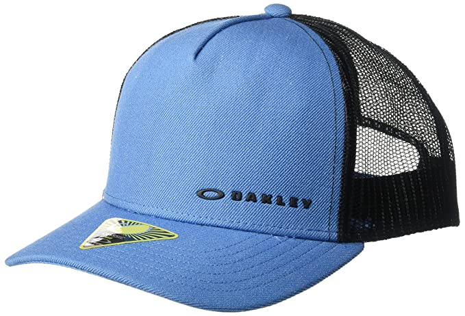 Amazon.com  Oakley Mens Chalten Adjustable Hats c6c0344f6b58