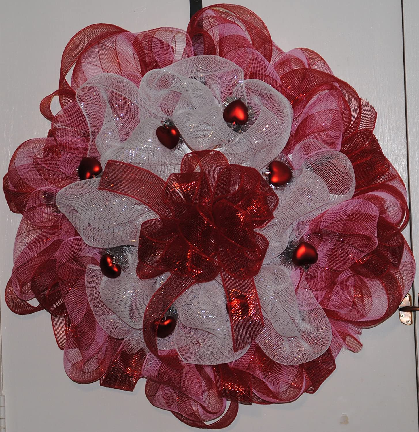 Amazon.com: Deco Mesh Valentine Wreath Red And White Mesh With Red Hearts:  Home U0026 Kitchen