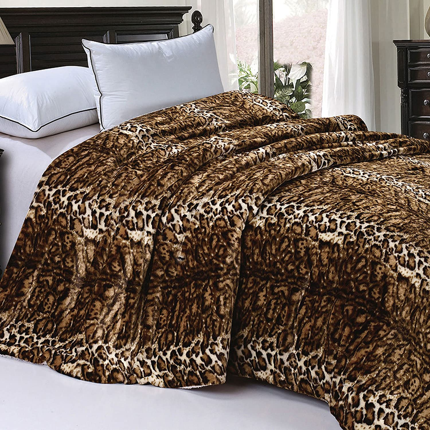 BOON Soft and Thick Faux Fur Sherpa Backing Bed Blanket, ML Leopard