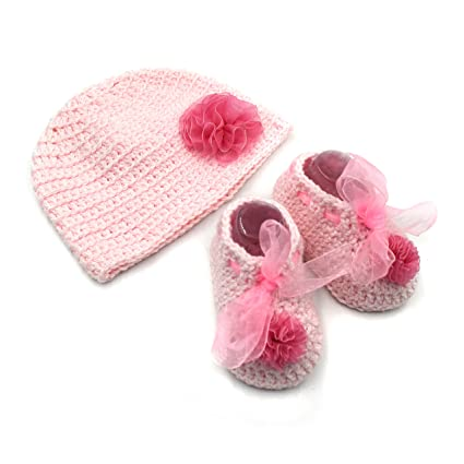 bd51949e33f Magic Needles Handmade Knit Crochet Baby Booties and Cap Baby Gift Set for 6 -12