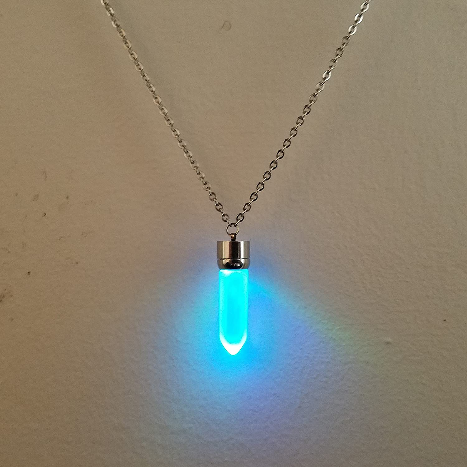 LED Light up Crystal Pendant Necklace - Glow crystal jewelry Necklace (multicolor)