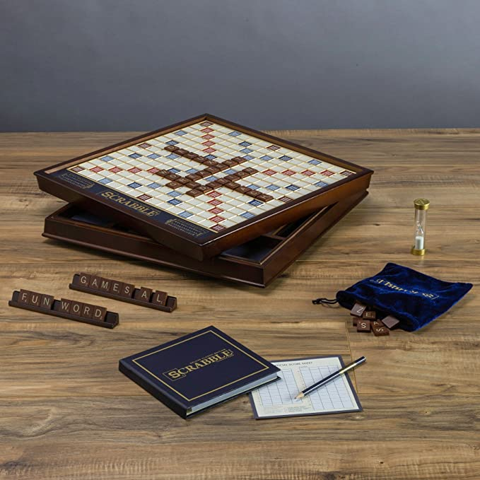 Scrabble Deluxe Wooden Edition with Rotating Game Board by Winning Solutions: Amazon.es: Juguetes y juegos