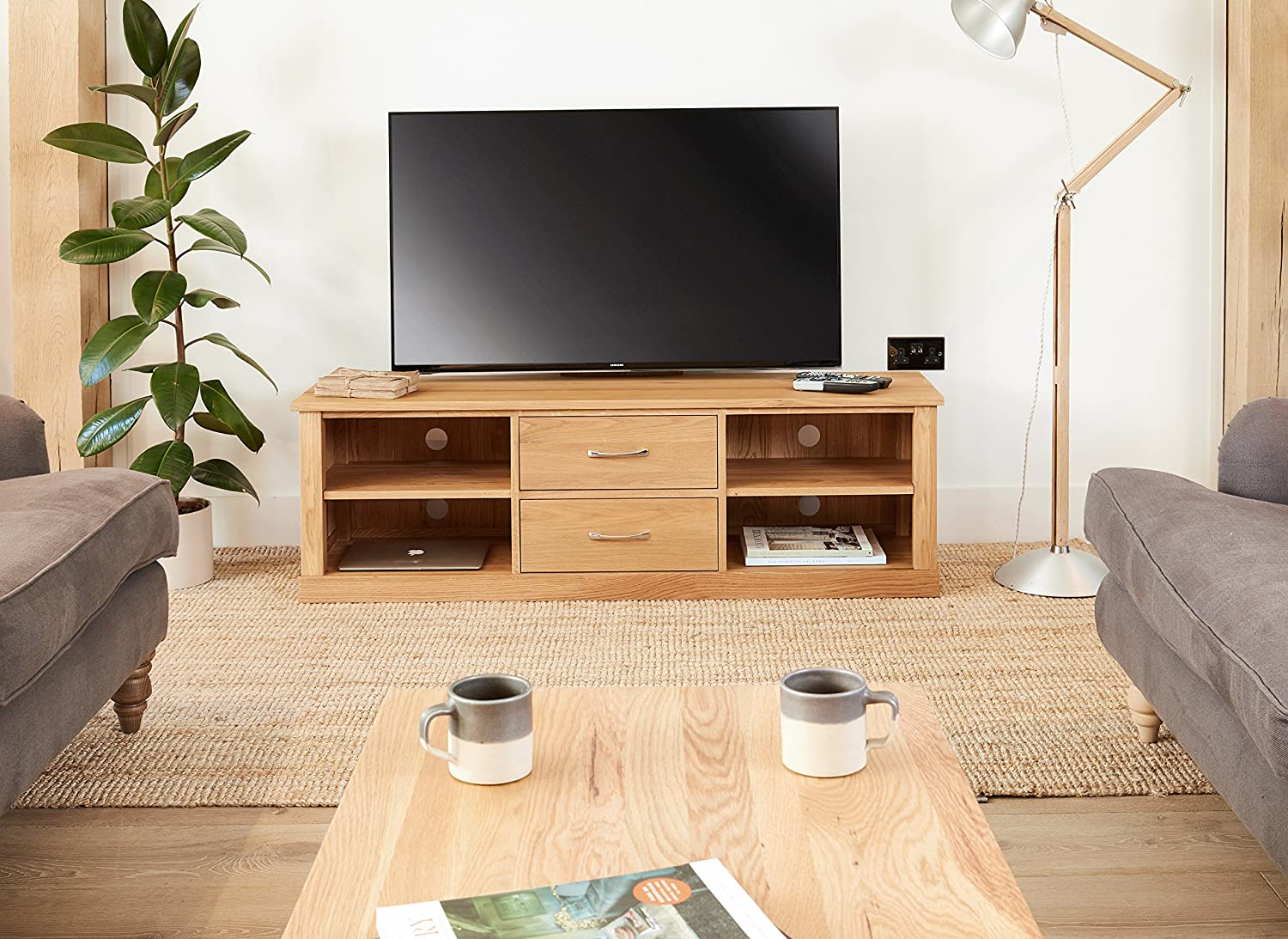 baumhaus mobel oak mounted widescreen television cabinet amazon co uk kitchen home