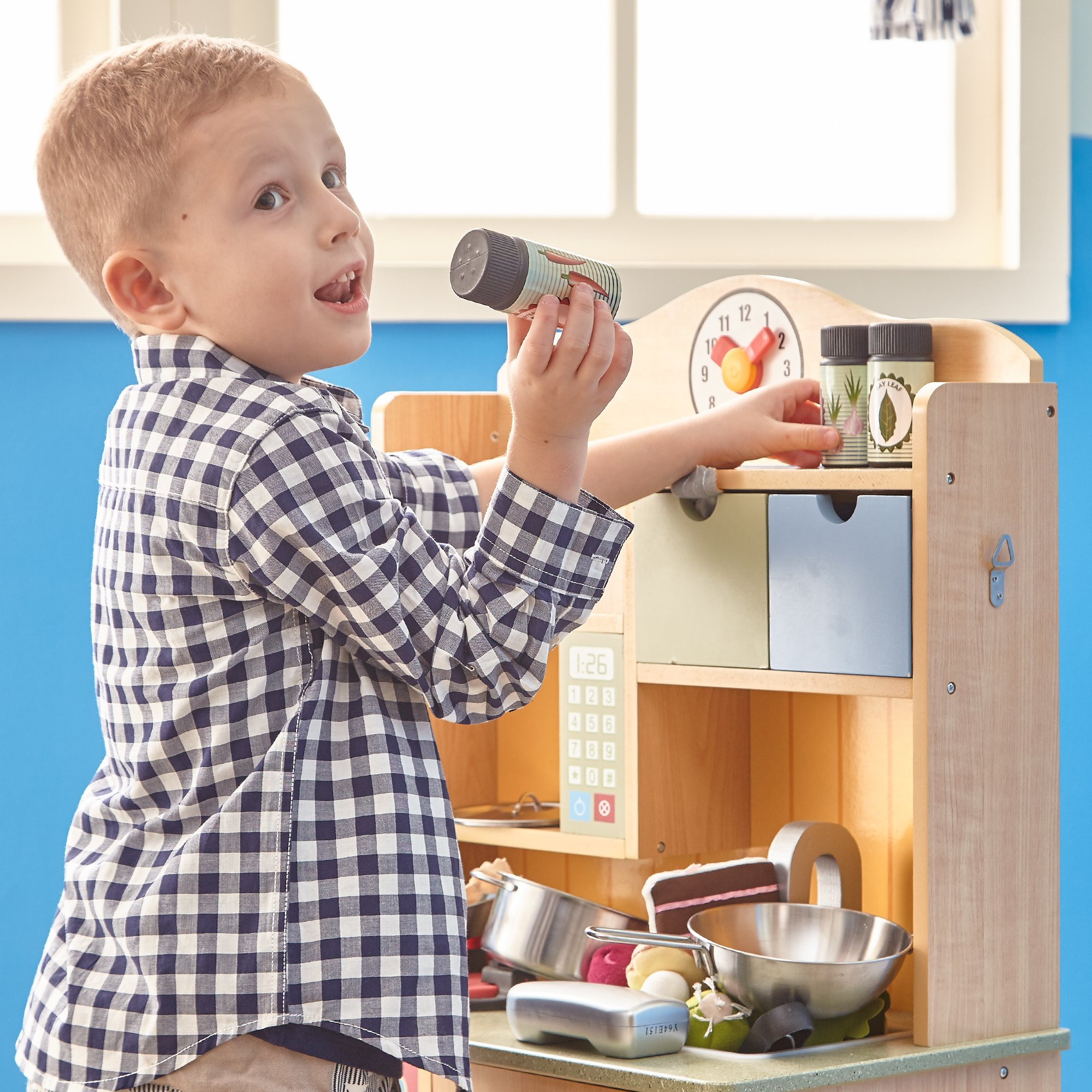 Teamson Kids - Little Chef Florence Classic Kids Play Kitchen | Toddler Pretend Play Set with Accessories - Wood Grain by Teamson Kids (Image #4)