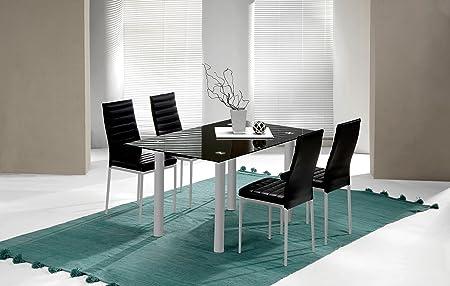 Fabulosa mesa fija para comedor o salón.,Fabricada en cristal templado color negro y patas metálicas