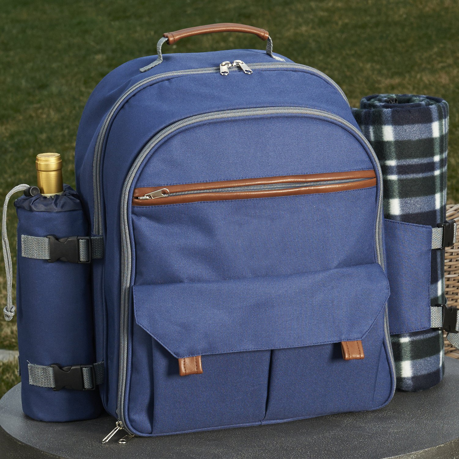 Wine Enthusiast Picnic Backpack Set for Four