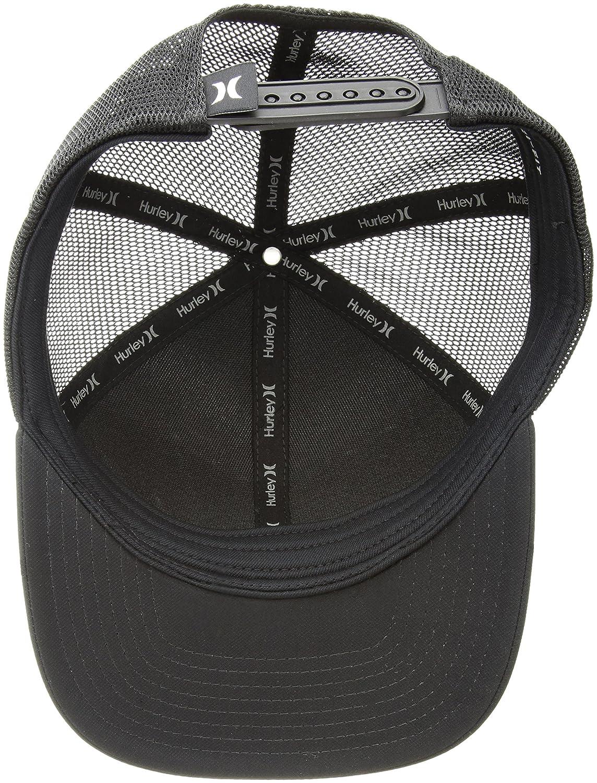 57e56d08e3c Amazon.com  Hurley Men s Milner Curved Bill Snapback Trucker Cap  Clothing