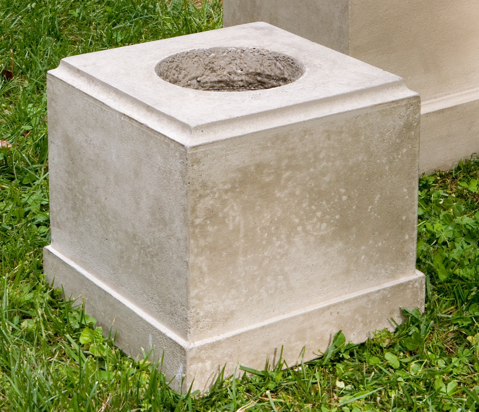 Campania International PD-169-GS Classic Short Pedestal, Grey Stone Finish by Campania International