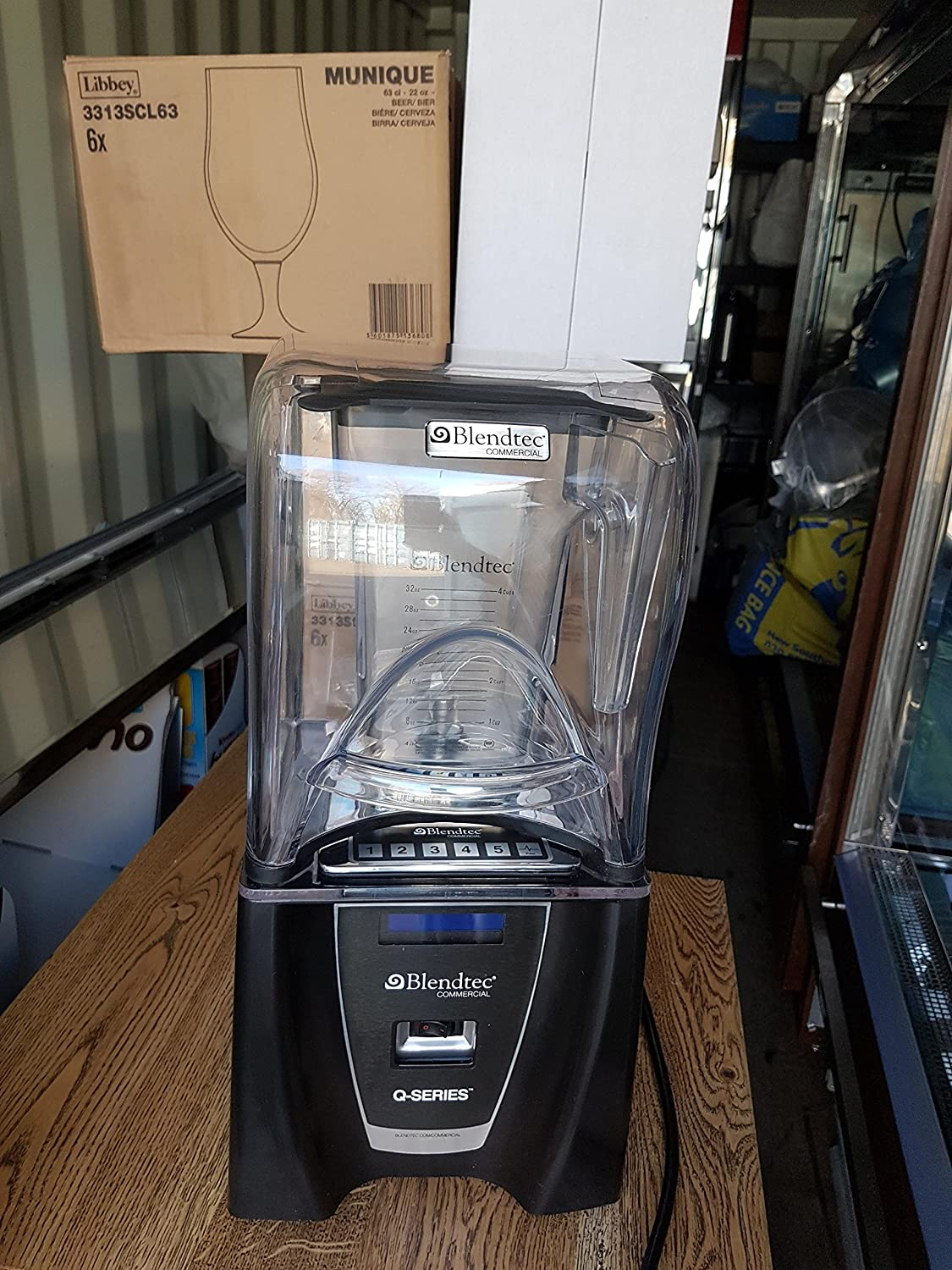 Blendtec Q Series Licuadora Comercial (2 días used): Amazon.es ...