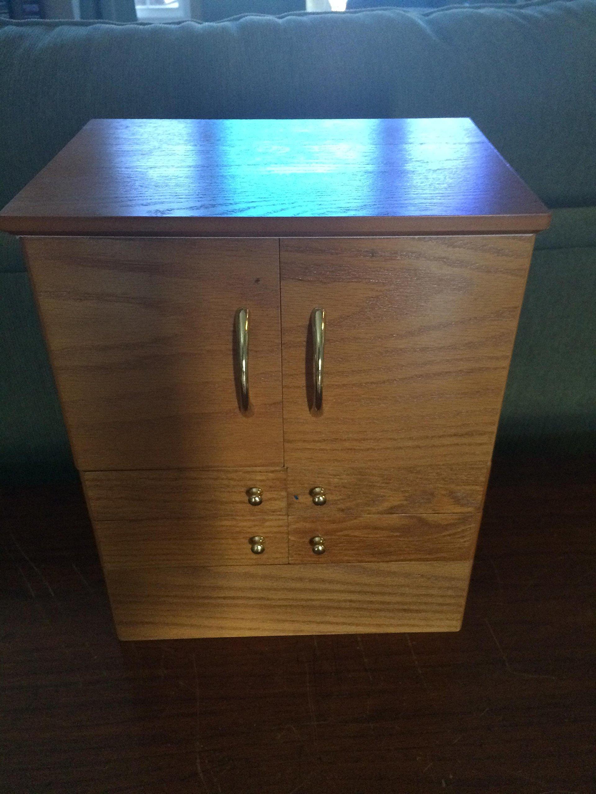 Luxury Deluxe Wood Cosmetic Box w/Mirror by Lori Greiner - Oak