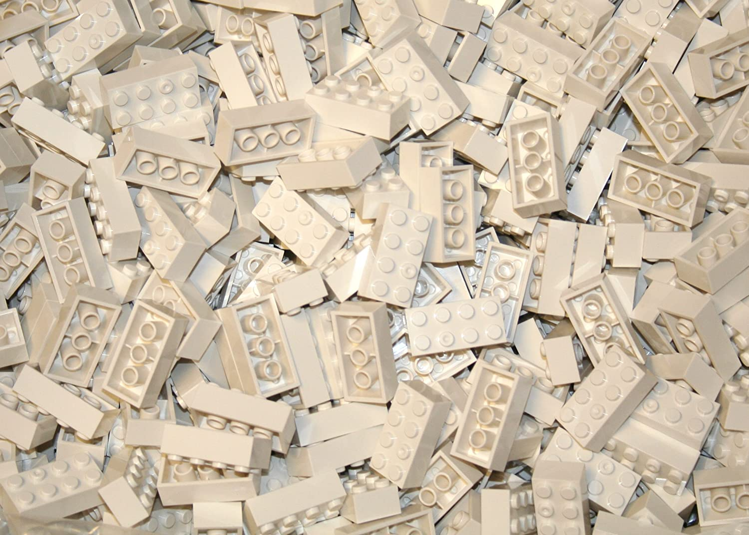 200 White Generic 2x4 bricks, compatible to all major brand building blocks