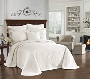 """HISTORIC CHARLESTON Bedspreads Coverlet - King Charles Collection 120"""" x 114"""" Size 100% Cotton Oversized Matelasse Bed Spread, King/Cal King, Ivory"""