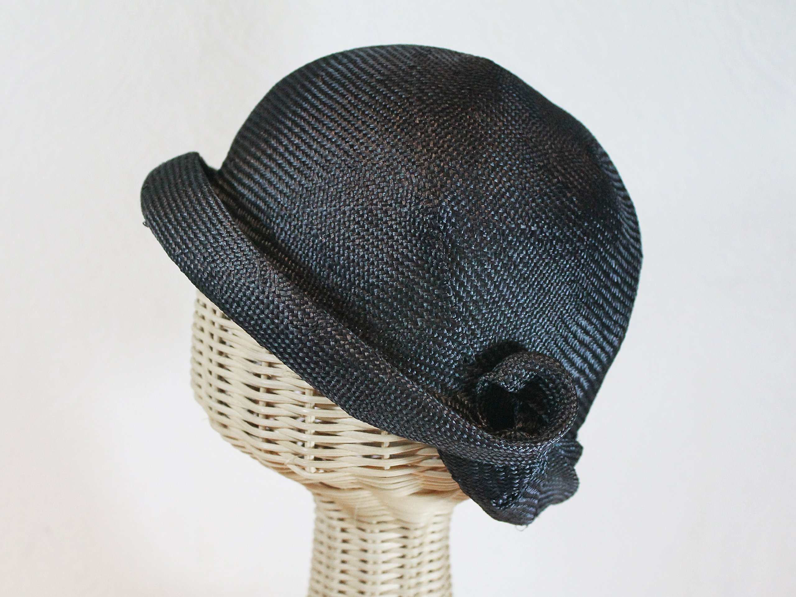 Women's Straw Miss Fisher Flapper Cloche in Black