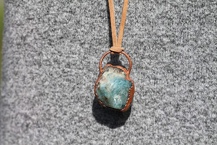 dfb00ee24 Amazon.com: Handmade Healing Crystal Copper Necklace Natural ...