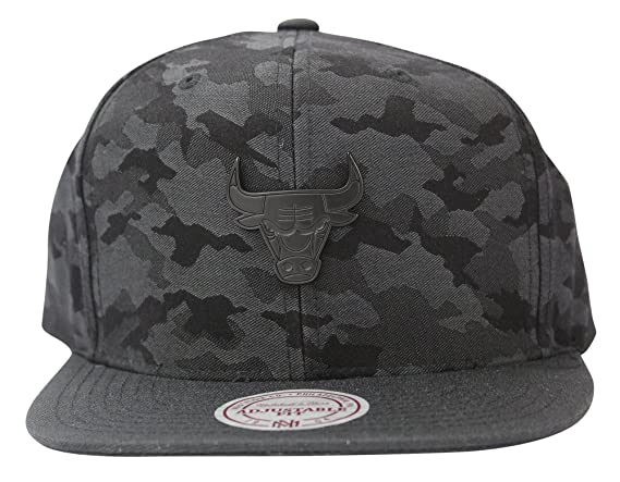 sneakers for cheap e053f 5a41a ... cheapest mitchell ness mens combat nba chicago bulls snapback cap at  amazon mens clothing store b7f3e