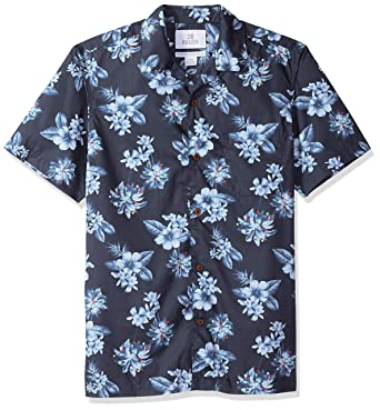 d1267700 Amazon.com: Amazon Brand - 28 Palms Men's Standard-Fit 100% Cotton Holiday  Christmas Hawaiian Shirt: Clothing