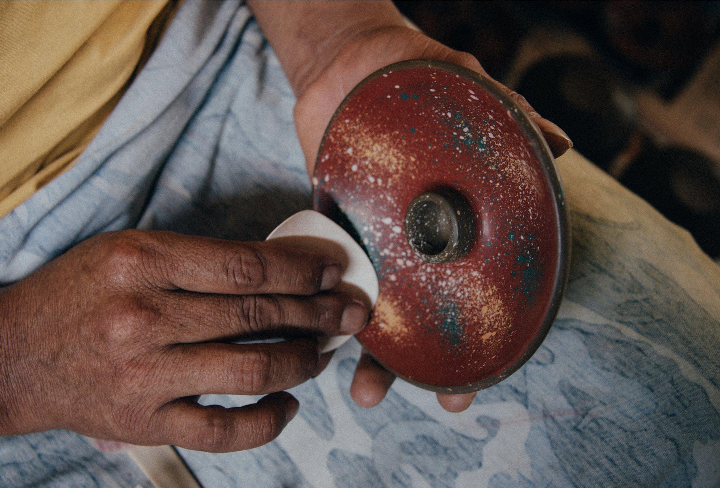 Luna Sundara Palo Santo Holder Authentic Chulucanas Peru Pottery (Green) 5 Palo Santo Sticks Included by Luna Sundara (Image #6)