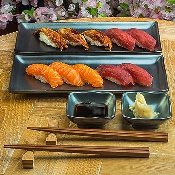 Plato De Sushi Japonés Fijado Con Los Platos De Salsa Y Los Palillos En Esmalte Negro Sumi: Amazon.es: Hogar