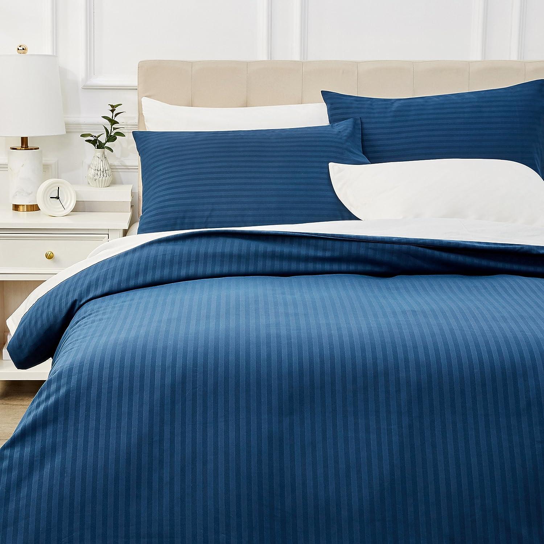 AmazonBasics - Juego de ropa de cama con funda nórdica de microfibra y 2 fundas de almohada - 230 x 220 cm, azul marino