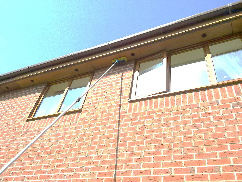 Swival Knuckle Pad Squeegee Hi-Tech 13 Foot Water Fed Window Cleaning Pole