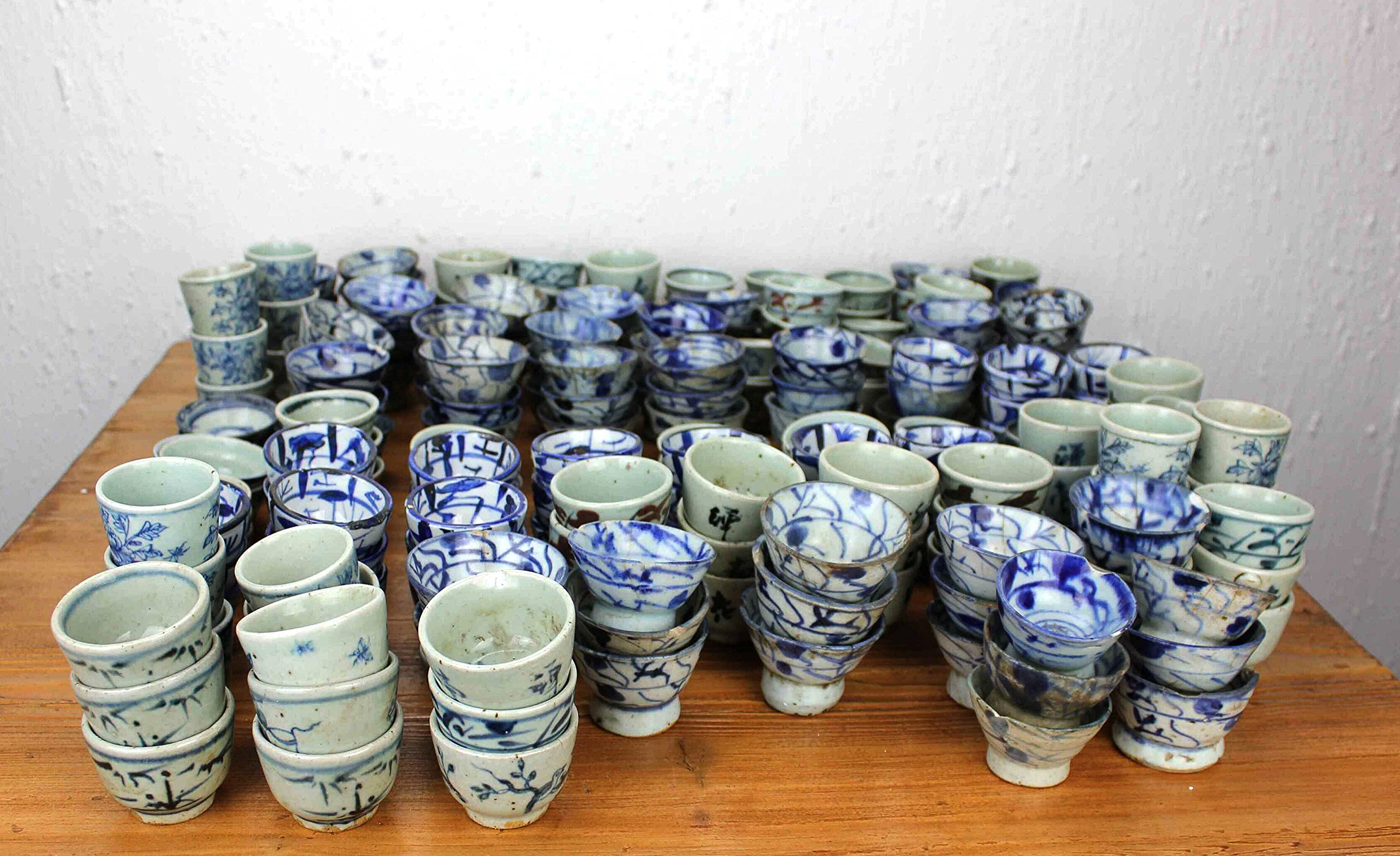 Sarreid SA-AN021 Collection of 250 Cups by Sarreid