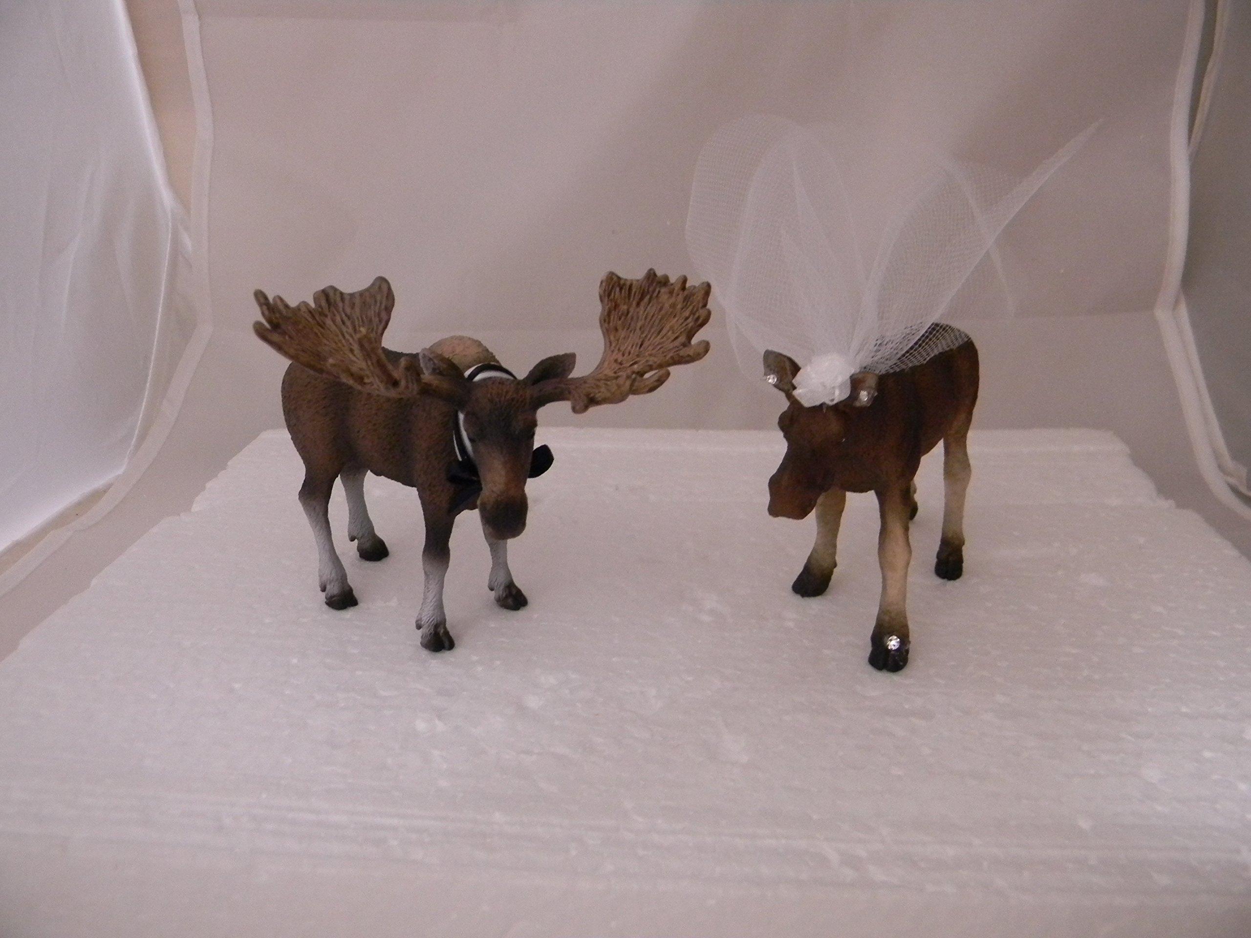 Wedding Reception Party Bride Groom Moose Hunting Cake Topper