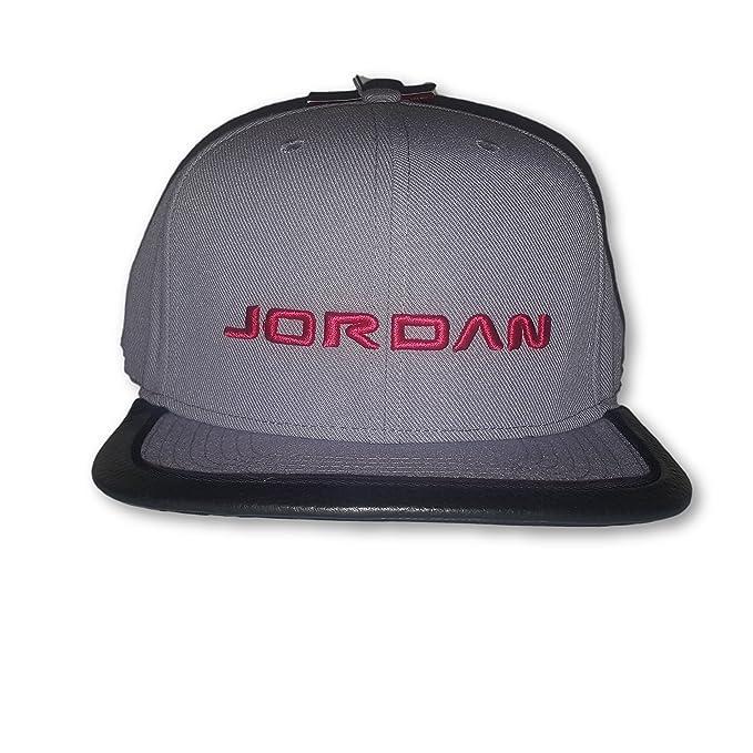 86d535c192644 Nike Air Jordan 13 Strapback Adult Unisex Hat  Amazon.ca  Clothing    Accessories