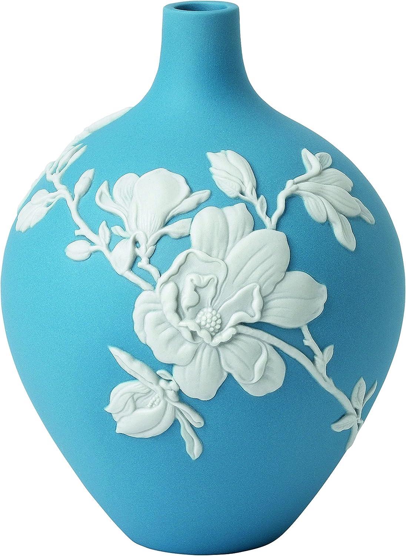 Amazon Com Wedgwood Magnolia Blossom Bud Vase 5 5 Blue And White Home Kitchen