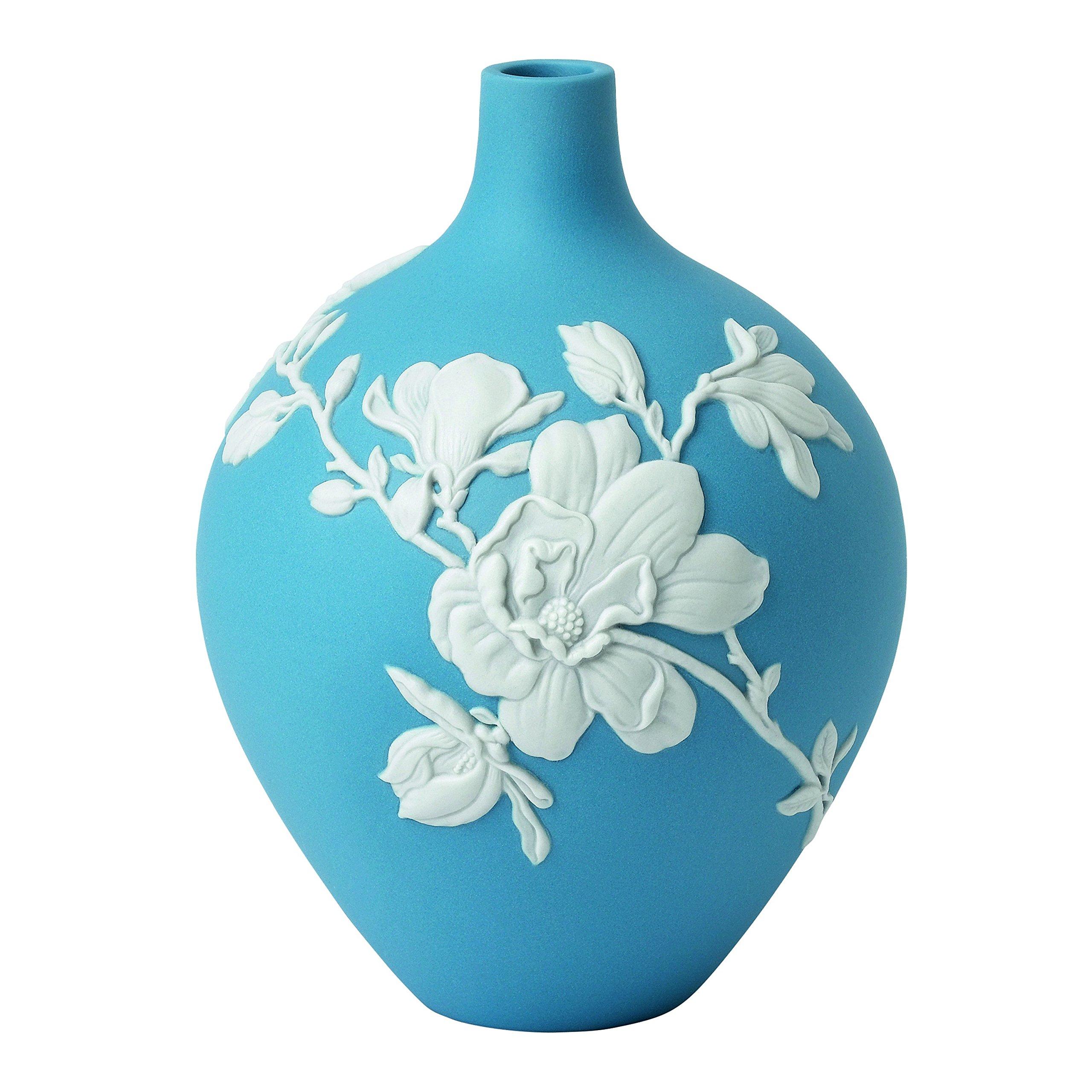 Wedgwood Magnolia Blossom Vase 5'', Bud