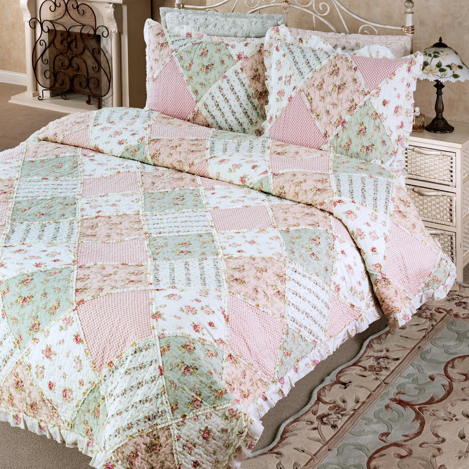 Bedsure Flourish Style Floral Design Quilt Set for All Season