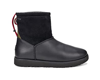UGG Men's Classic Toggle Waterproof Boot Black Size 7 D(M) US