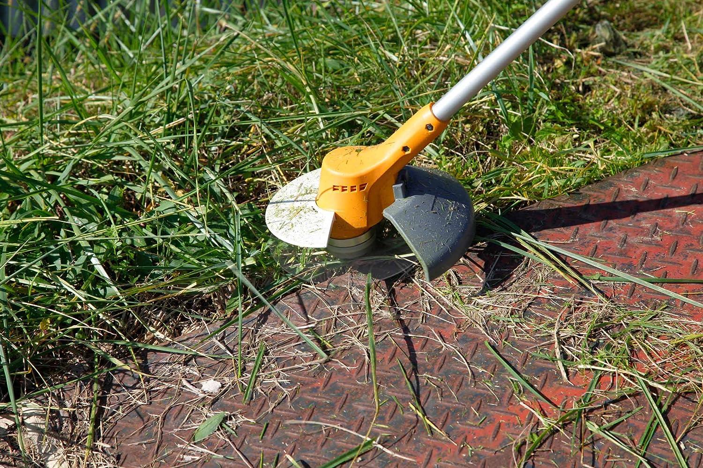 リョービの草刈機使用画像