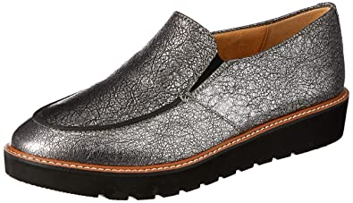 28e97b5a754 Naturalizer Women s Aibileen Silver Metallic Crackle Leather 4 ...
