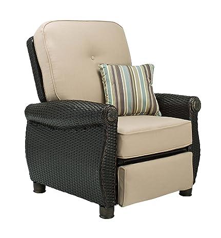 La Z Boy Outdoor Breckenridge Resin Wicker Patio Furniture Recliner  (Natural Tan)