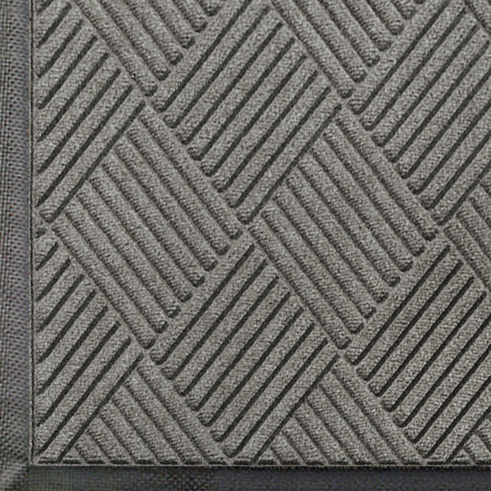 M+A Matting 208 WaterHog Classic Diamond Polypropylene Fiber Entrance Indoor/Outdoor Floor Mat, SBR Rubber Backing, 4' Length x 3' Width, 3/8'' Thick, Medium Grey