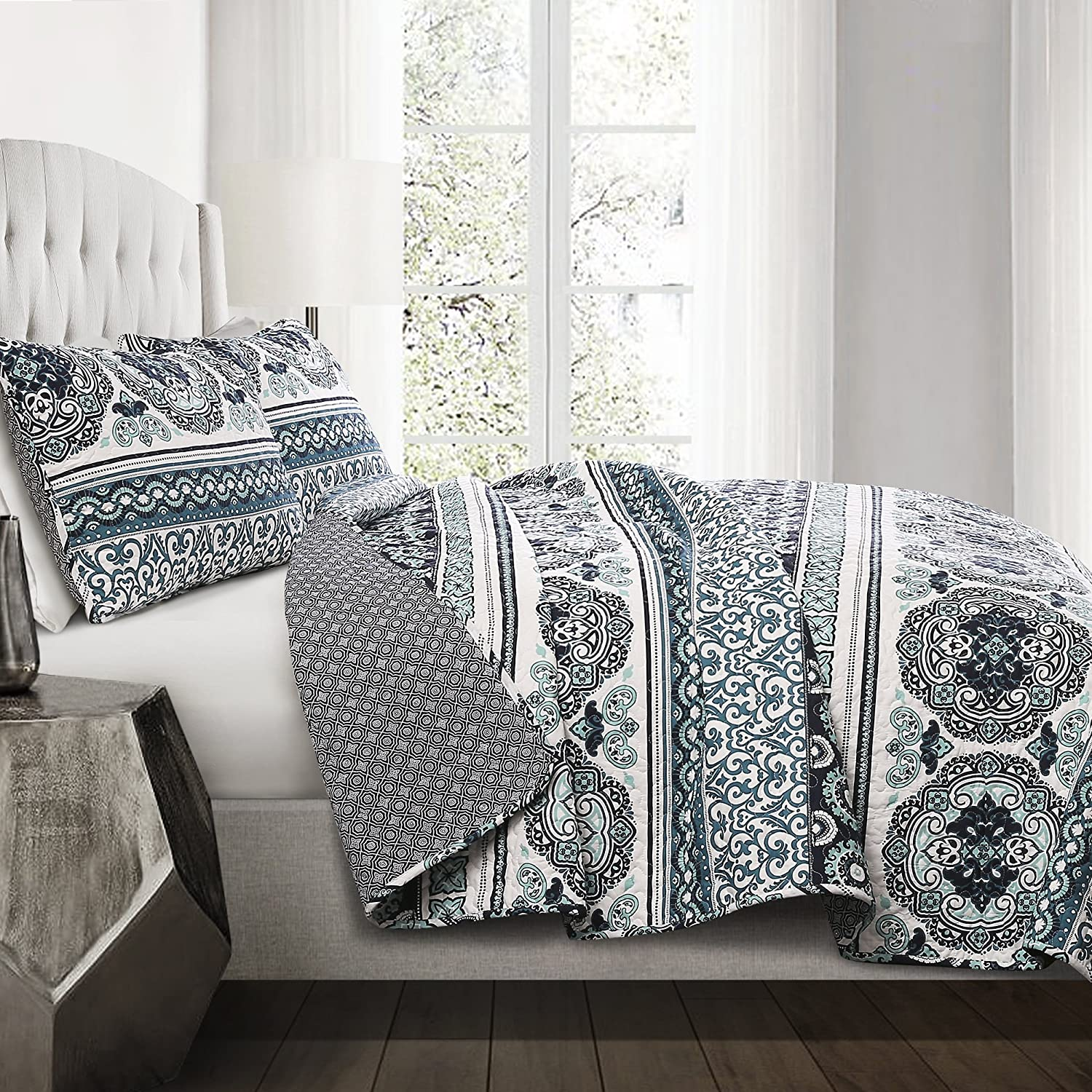 Lush Decor 3 Piece Nesco Quilt Set, King, Navy/Coral Triangle Home Fashions C32107P15-000