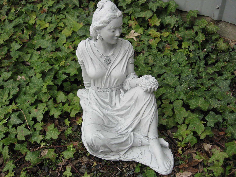 Amazon.com : CHERUB with BUNNY statue : Garden & Outdoor