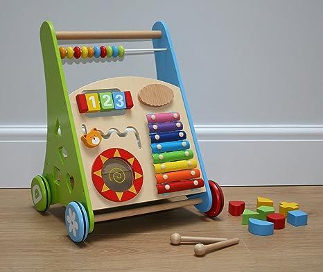 Andador de bebé de madera con centro de actividad y ladrillos ...