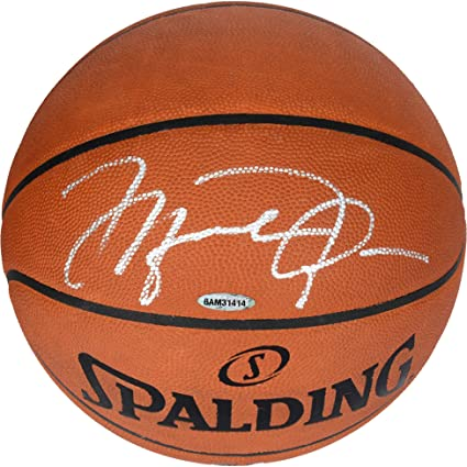 online store 5e83a 4ed72 Michael Jordan Chicago Bulls Autographed Official Spalding Basketball  Signed in Silver - Upper Deck - Fanatics Authentic Certified