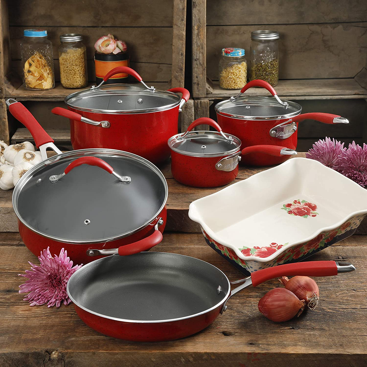 Amazon Com The Pioneer Woman Vintage Speckle 10 Piece Non Stick Pre Seasoned Cookware Set Red Home Kitchen