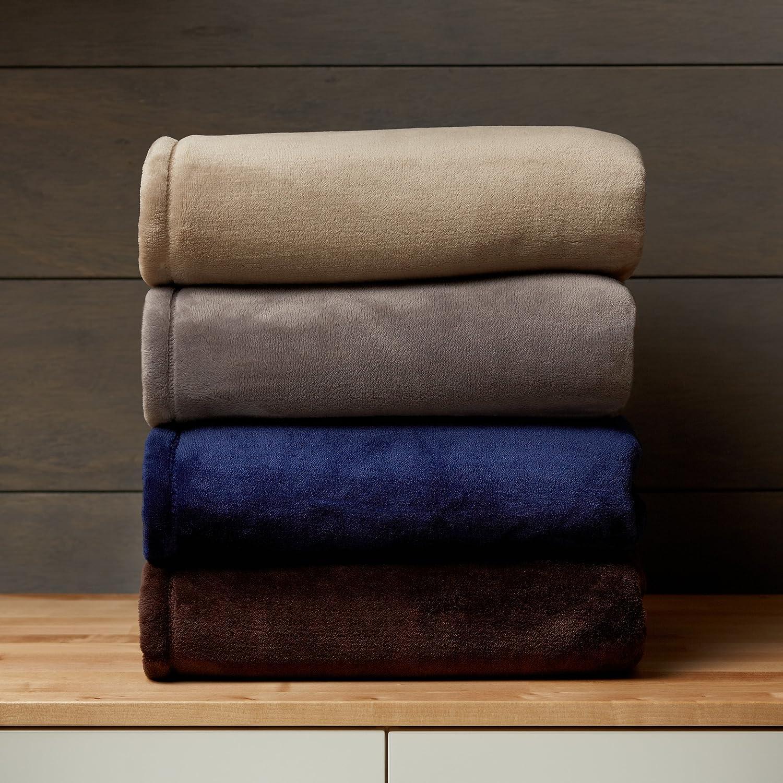 Amazon.com: Pinzon Velvet Plush Blanket - Full/Queen, Grey: Home ...
